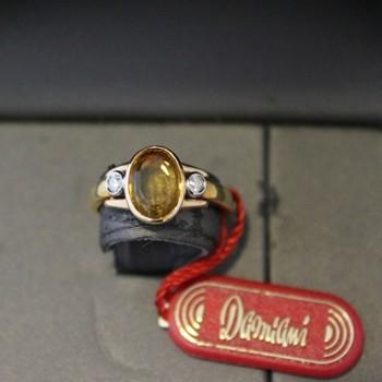 Anello Damiani oro e diamante con Topazio giallo Madera 0,40 ct.